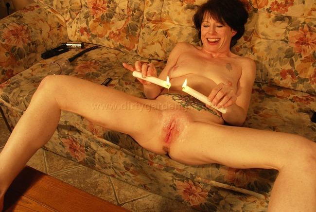 dirtygardengirl wax pussy play