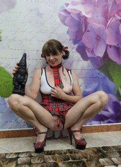 free dirty garden girl pics 9